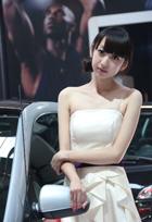 清纯靓丽车模