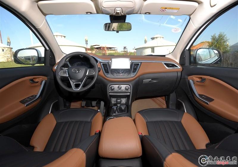 东南DX7现车充足 最低9.69万元起售高清图片