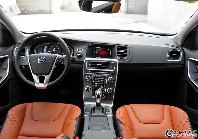 沃尔沃V60车型 内饰图