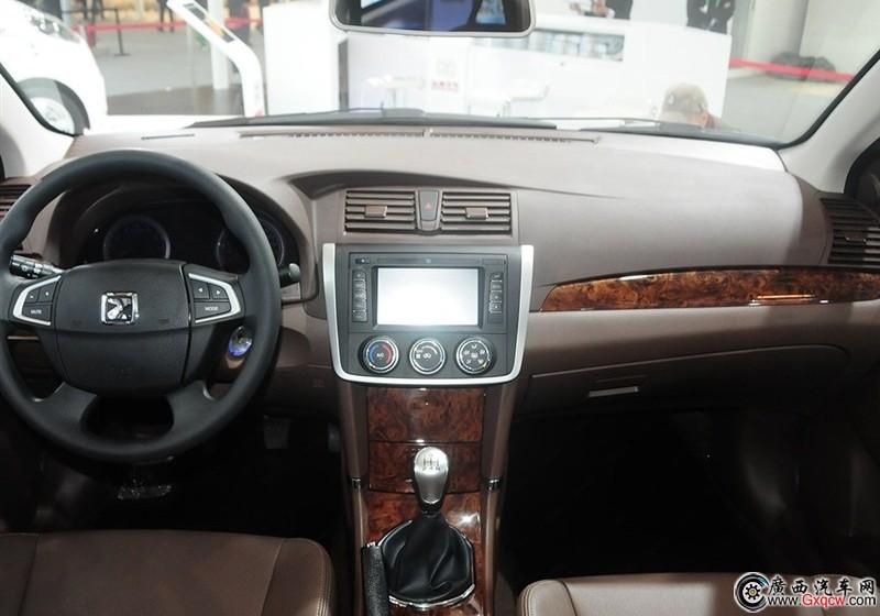众泰Z300车型 内饰图
