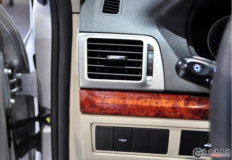 2011款长安CX30两厢图片 长安CX30两厢内饰图 1772 广西汽车网高清图片